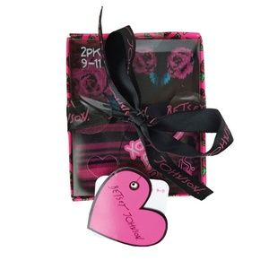 Betsey Johnson Accessories - 🆕 Betsey Johnson 2pk Crew Socks